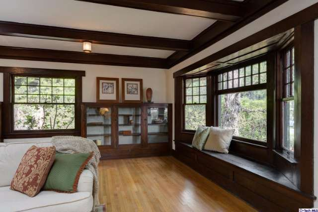 See this home on @Redfin! 931 New York Dr, Altadena, CA 91001 (MLS #316003795) #FoundOnRedfin