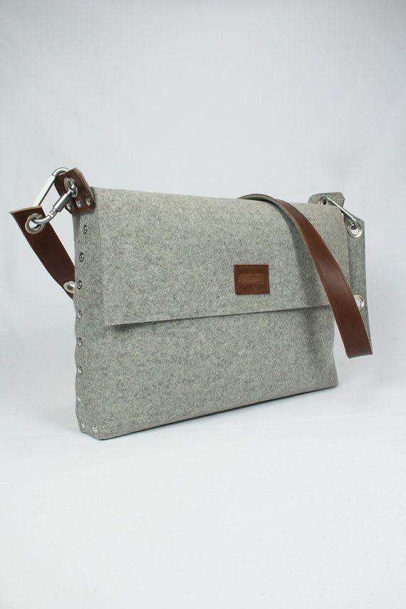 A3 Messenger Bag, Mens satchel bag / A3 paper size bag / Mens bag / Felted bag / Felt Satchel / cross body bag / Mens Felt bag / Manbag