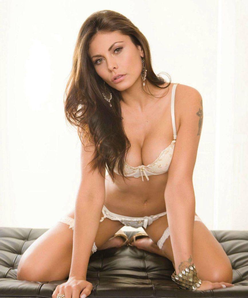 Amanda Rosa Nude Photos 40