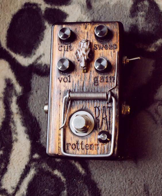 Rotten Rat | pedals | Diy guitar pedal, Guitar pedals, Guitar