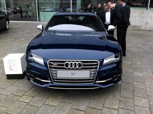 Audi S7 In Estoril Blue Crystal Effect