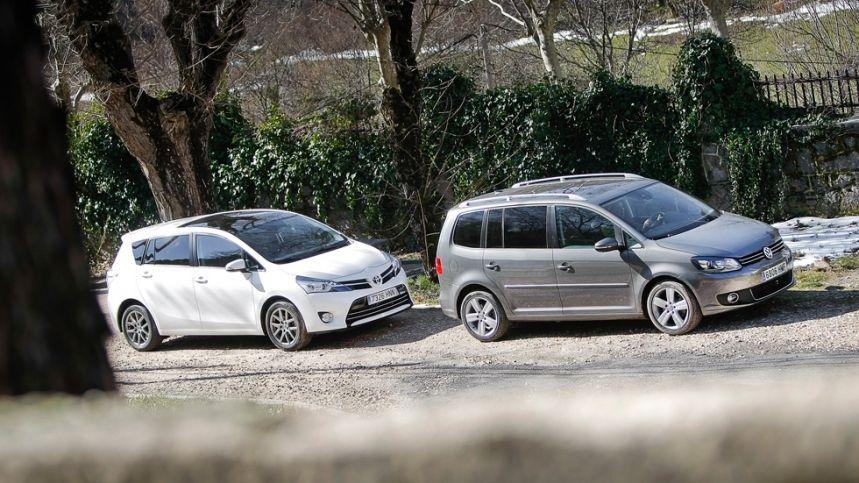 Comparativa: Toyota Verso 150 D vs VW Touran 2.0 TDI. Dos enfoques totalmente diferentes, mismo fin.