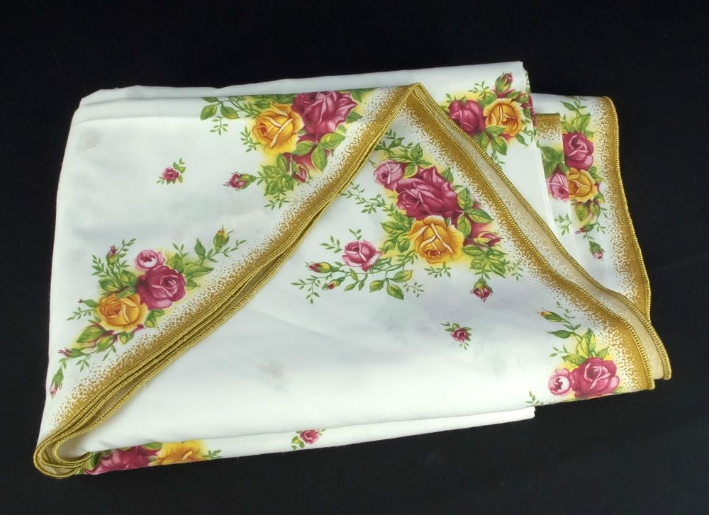 Royal Albert Old Country Roses Large Oval Tablecloth Vgc Country