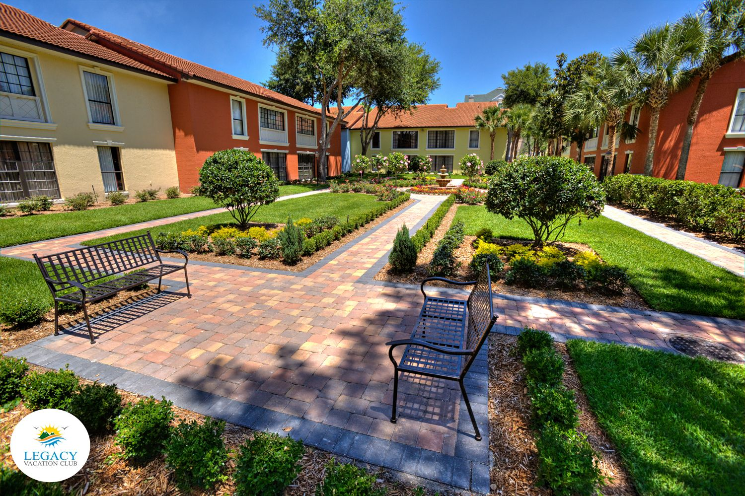 Take a charming stroll at Legacy Vacation Club Lake Buena