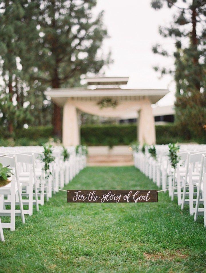 Crisp California Wedding with Elegant Vibes - MODwedding