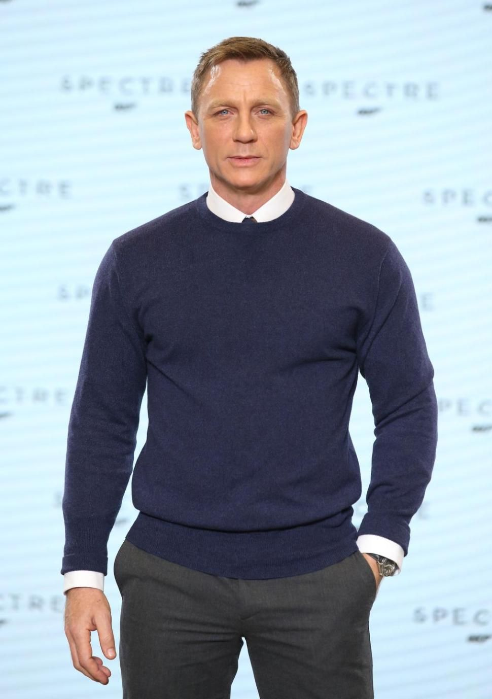 Daniel Craig back to work. Read more in : http://deadline.com