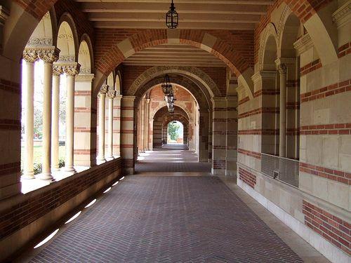 Ucla Campus Tour Ucla Campus College Campus Usc Columbia