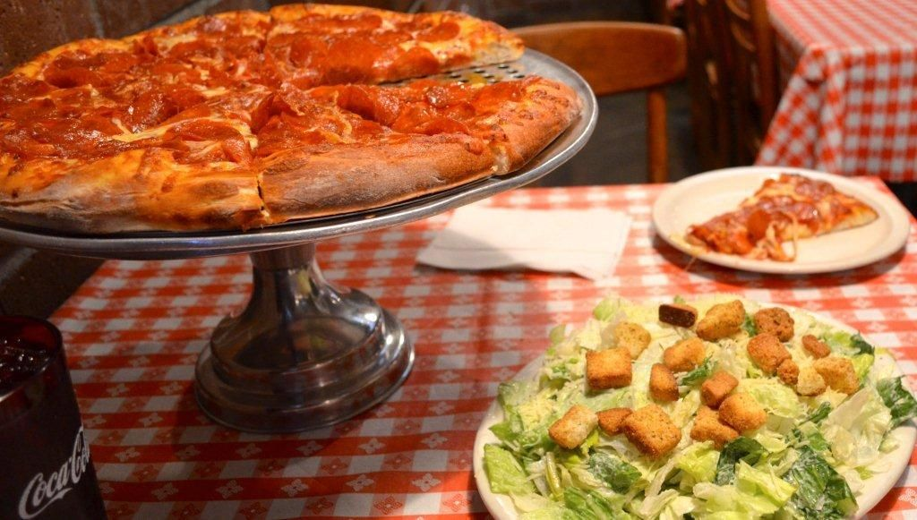 Gianni's Pizza in Monterey Amazing food, Food, Event