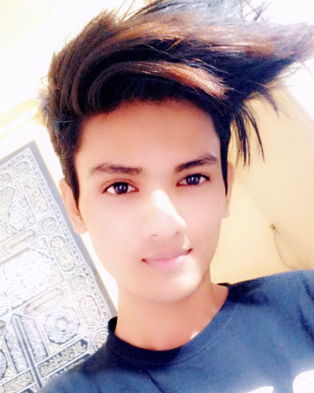 Pin By Arbab Siddiqui On Handsome Boys In India Beautiful Lipstick Handsome Boys Beautiful