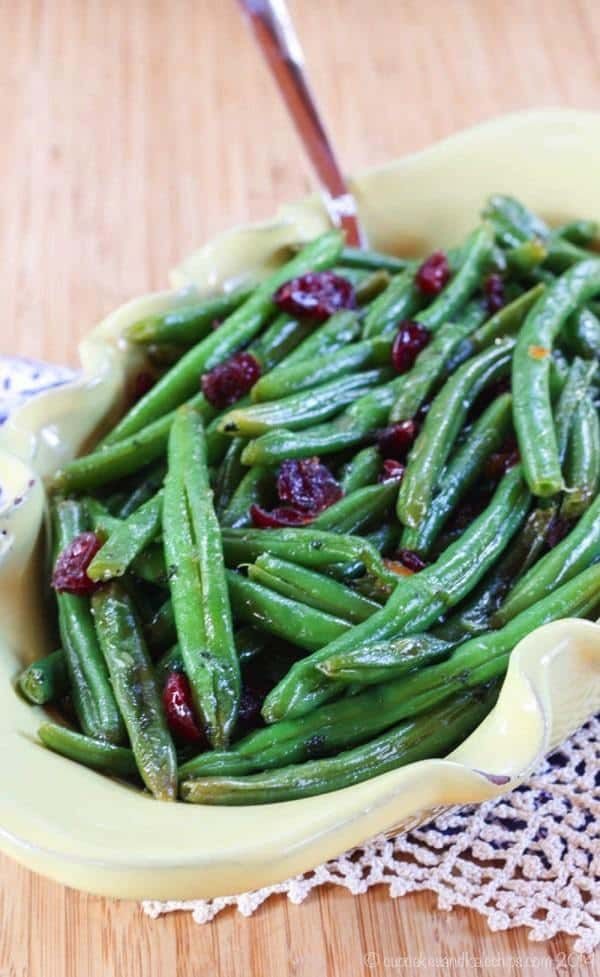 Cranberry Orange Glazed Green Beans Recipe and more for the perfect easy Thanksgiving dinner menu! Gluten free too!