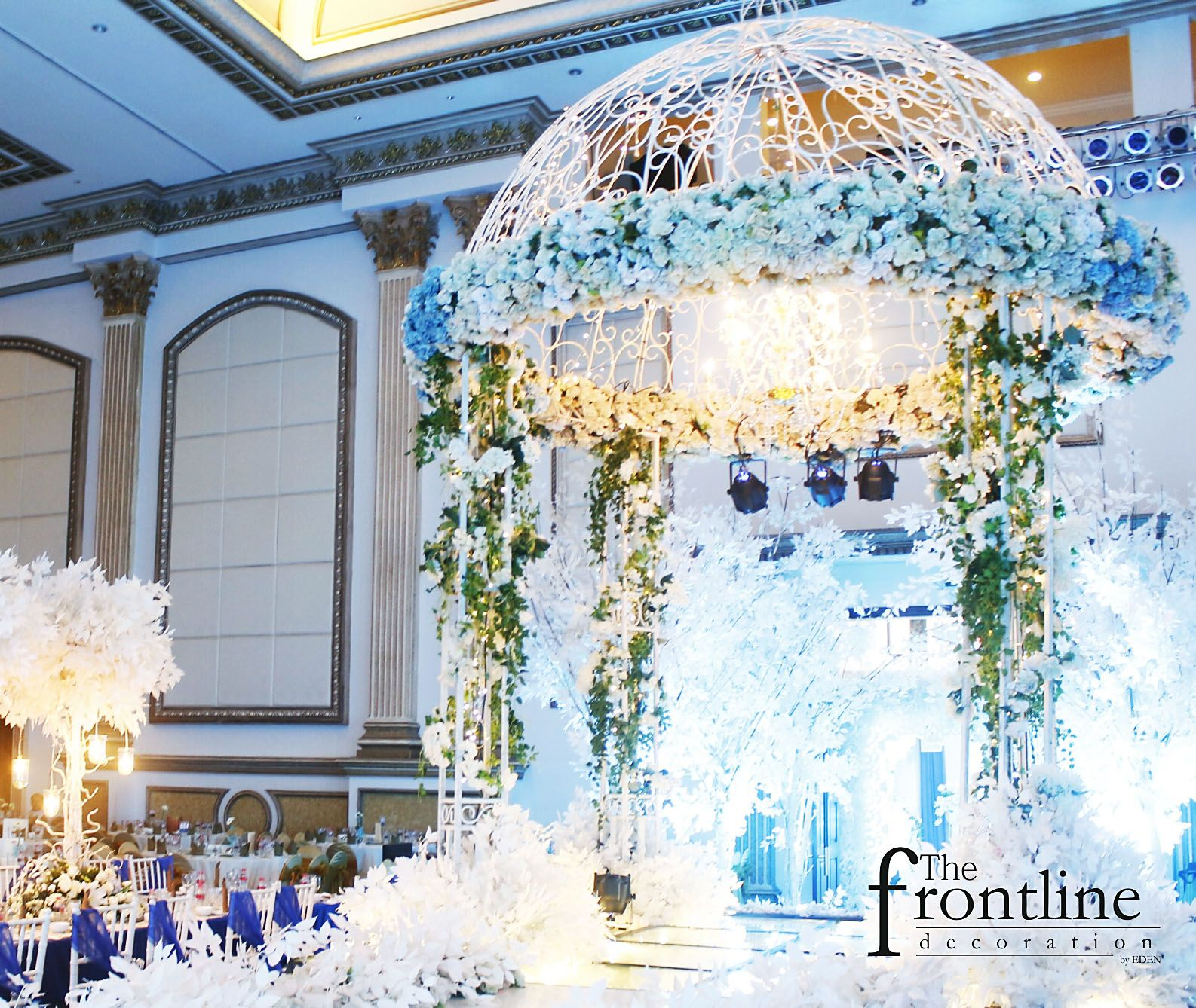 The wedding of daniel marcellin grand royal surabaya decorated the wedding of daniel marcellin grand royal surabaya decorated by eden decoration junglespirit Choice Image