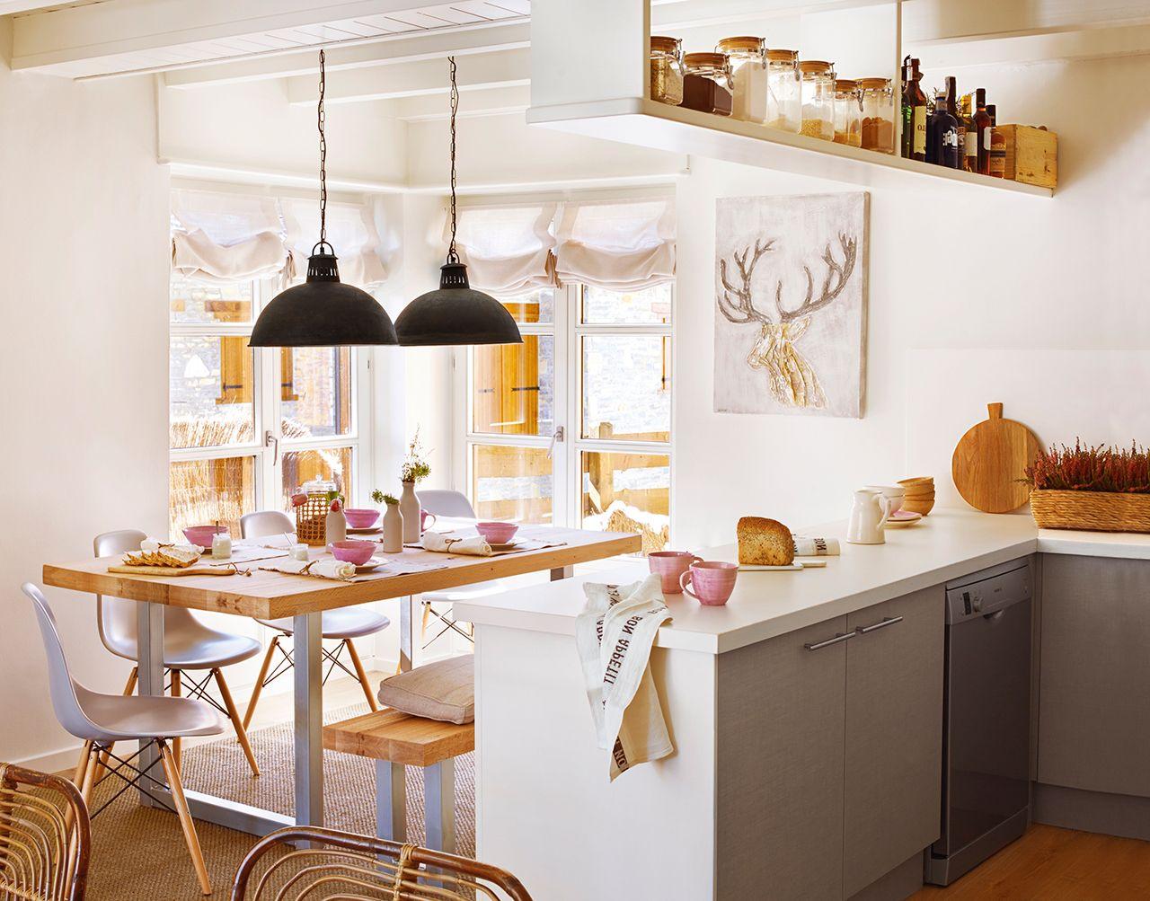 Cocina peque a y en blanco abierta al comedor cocinas for Cocinas abiertas al comedor