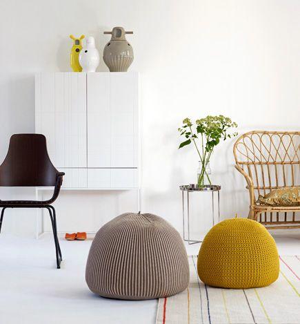 50 id es pour mettre des poufs dans sa d co pouf int rieur et fauteuil pouf. Black Bedroom Furniture Sets. Home Design Ideas