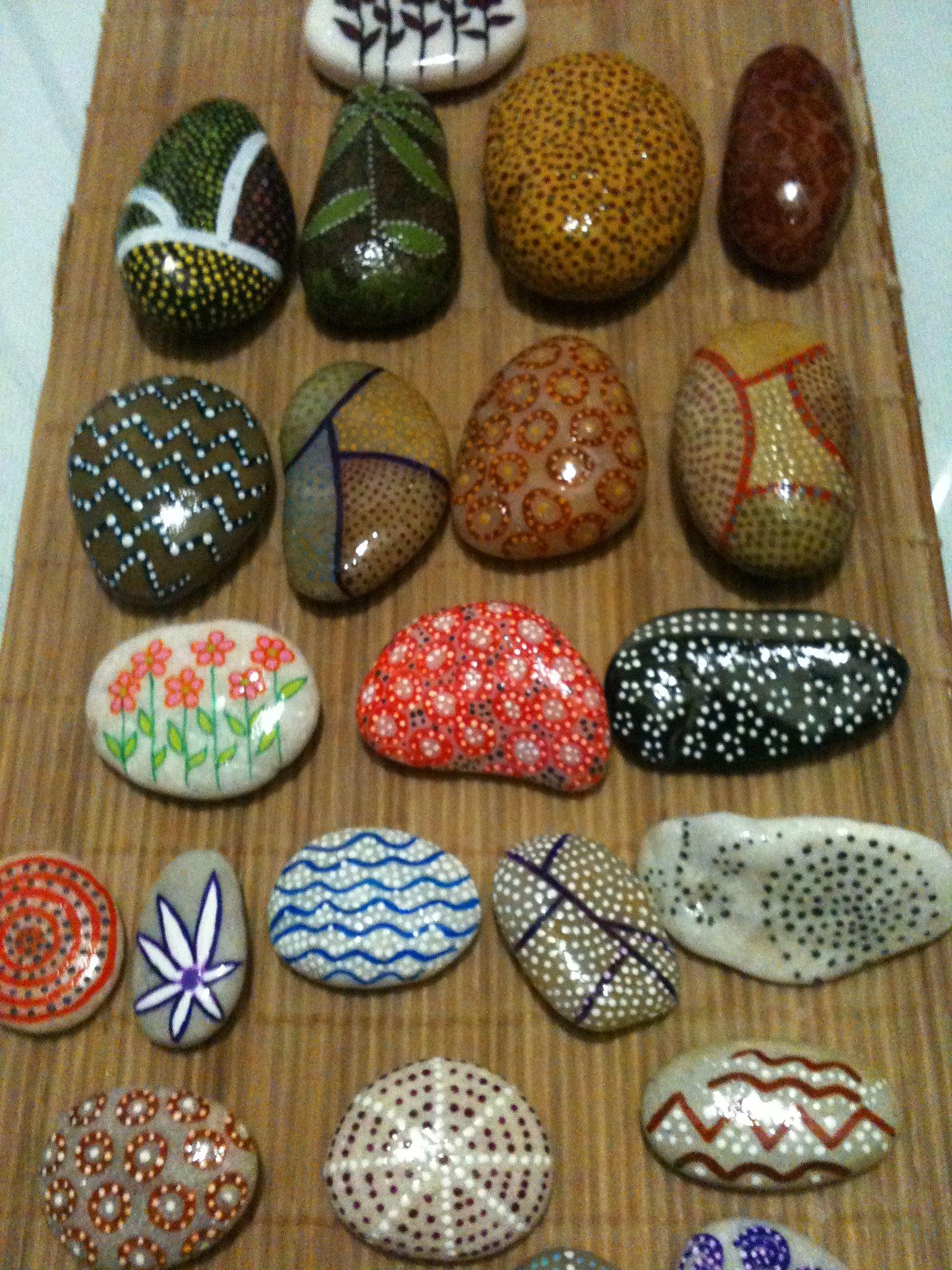 Piedras pintadas para decoración de hogar