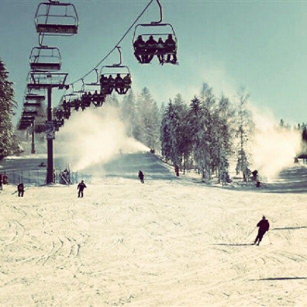 Zapraszamy na narty w Beskidy http://www.wierchomla.com.pl/stacja-narciarska-zima