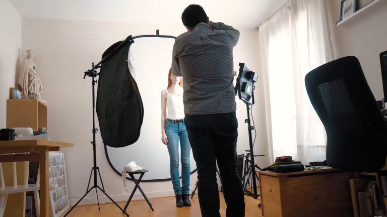 How to setup a simple home studio combining natural and continuous light - DIY Photography