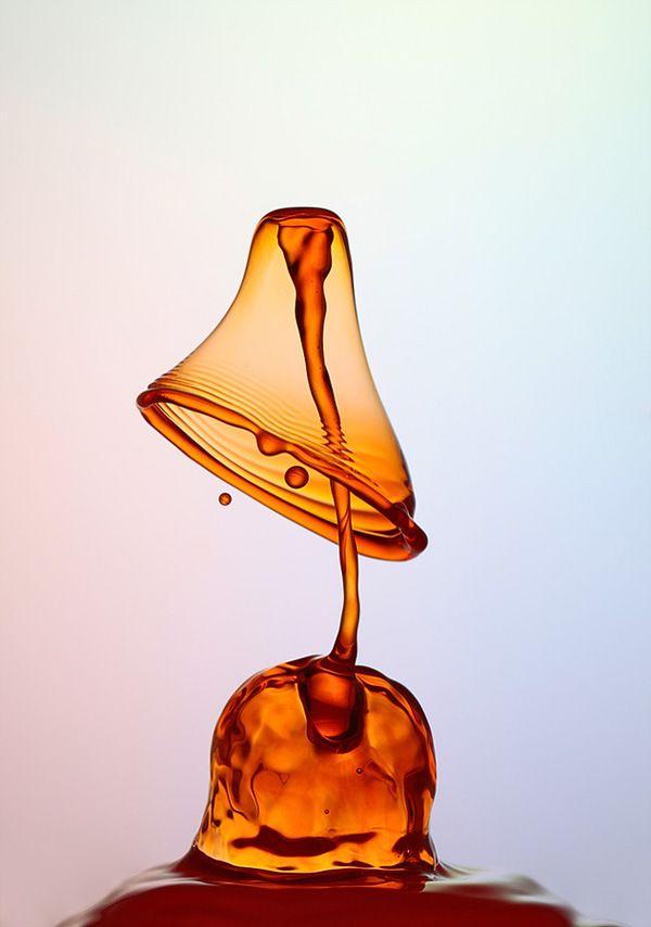 Gotas de agua crean figuras impactantes por Heinz Maier