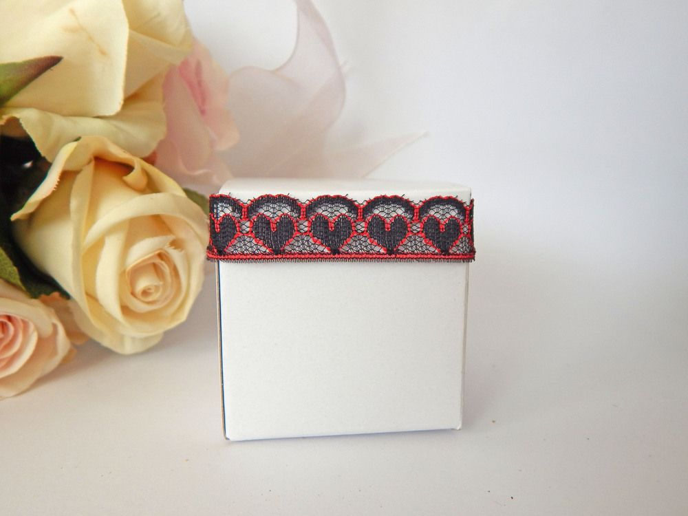1 mtr x 1.3 cm Width Red and Black Heart Lace - Perfect for Wedding Invitations or bomboniere boxes! - Hall Occasions