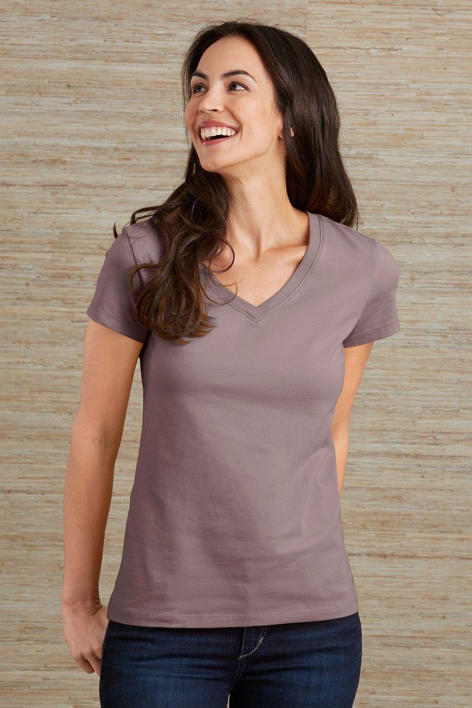 88cf4dcc0 Essential V-neck Tee | Minimal Ethical Closet | V neck, V neck tee, Tees