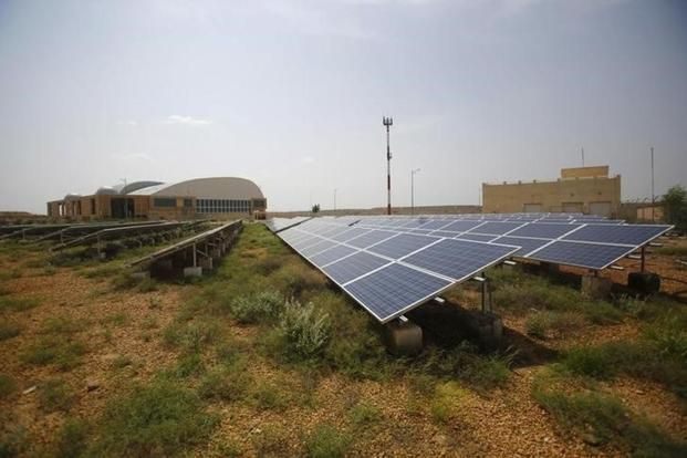 Mit Scientists Develop Flexible Solar Cells As Light As Soap Bubbles Solar Companies Solar Cell Solar