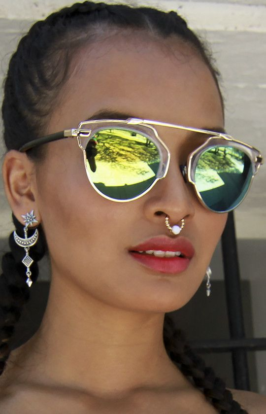 88d336236210 Retro Hipster Metal Crossbar Clear Top Yellow and Green Mirrored Sunglasses