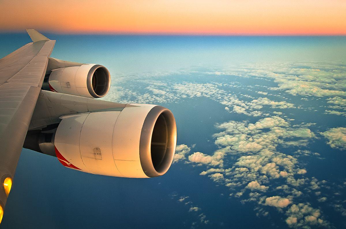 "Qantas ""Jumbo Jet"" over Chile, with landing lights on at 35,000 ft"
