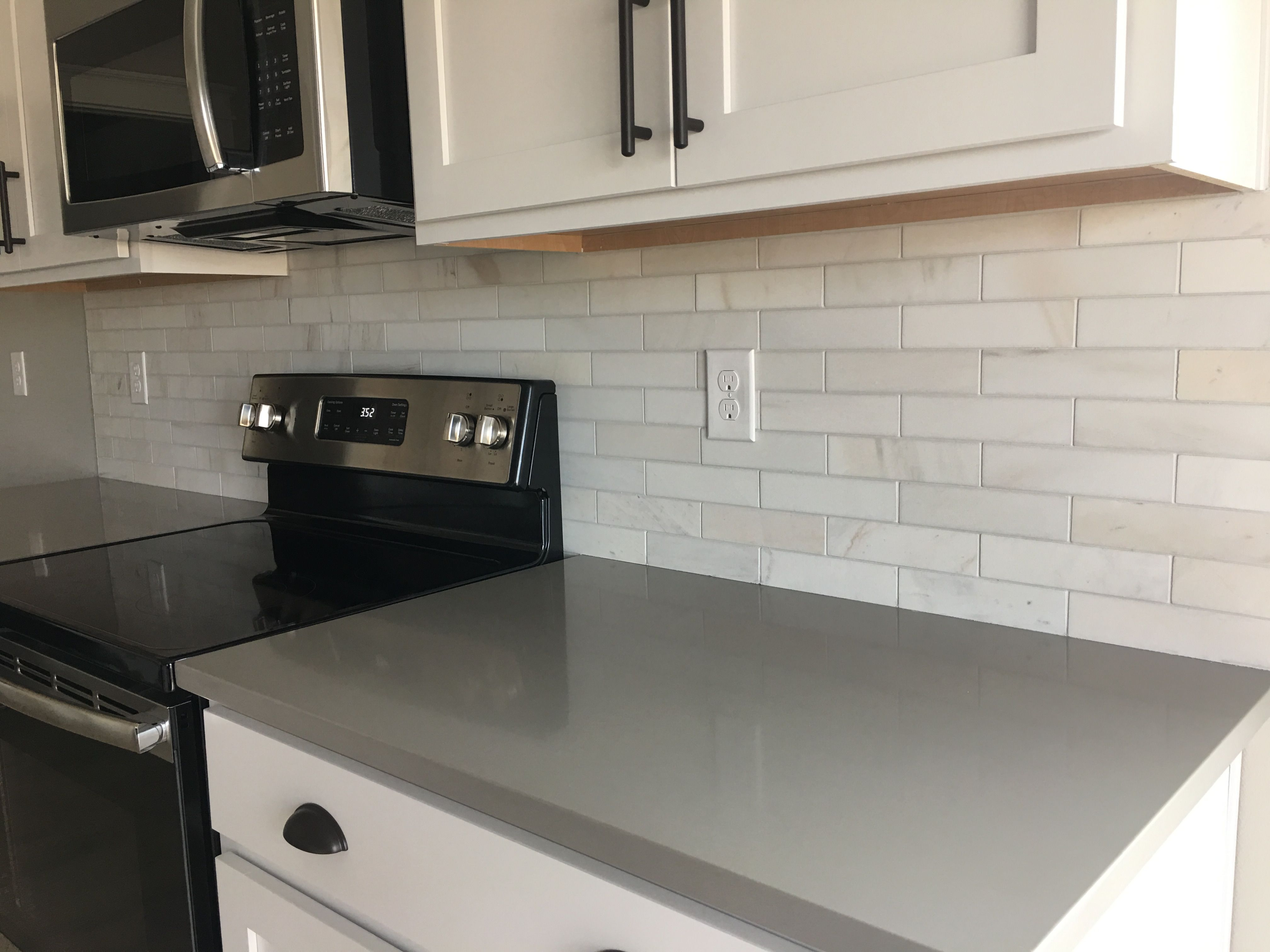 Cleaning Formica Countertops A White Back Splash And Grey Counter Tops Are A Perfect Combo