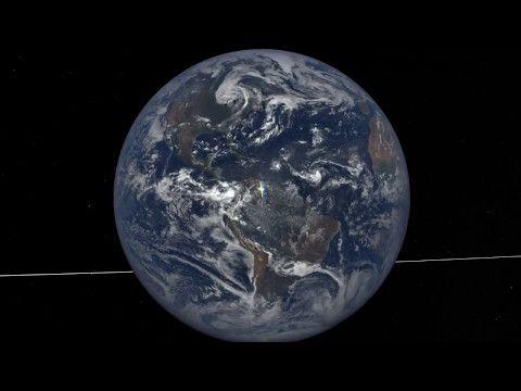 Centenares De Fotos Espaciales De La Tierra Tienen Destellos Inesperados Acabamos De Resolver Un Misterio Con Mas De 25 Anos Science Nasa Spitzer Space T