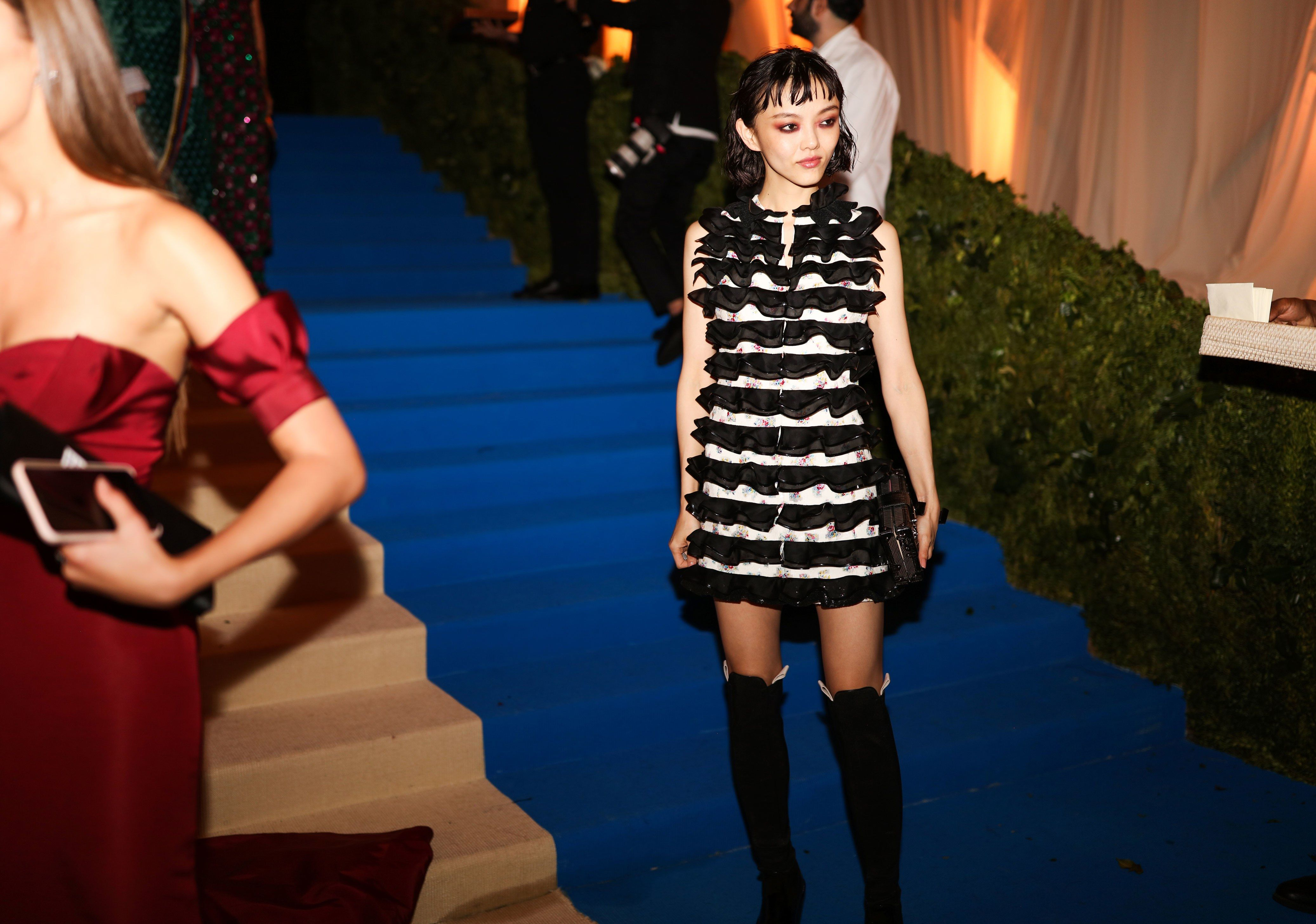 The best red carpet candids at the met gala red carpet