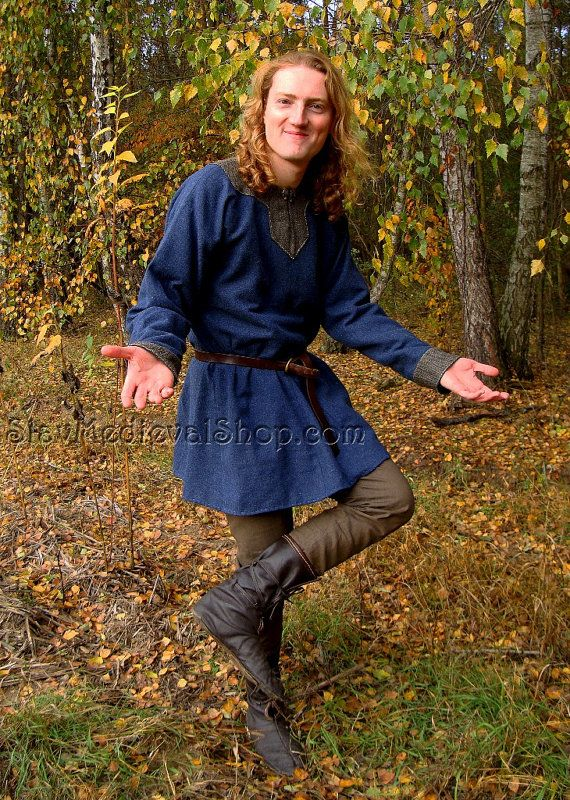 Tunic Of Hedeby Early Medieval Scandinavian Tunic Viking Etsy Viking Tunic Viking Costume Tunic Designs