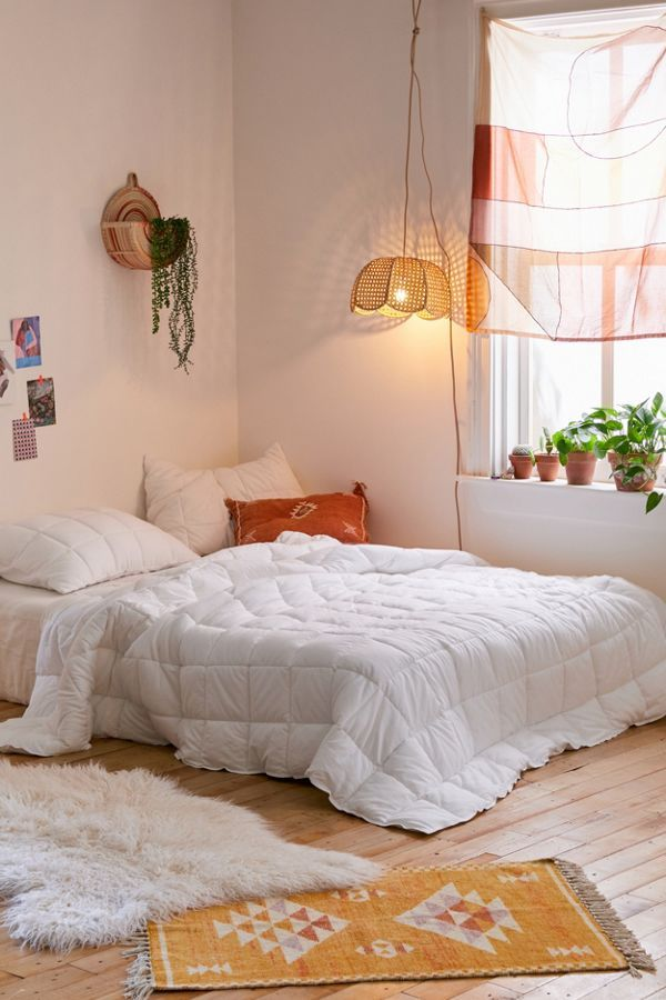 cloud jersey quilt  aesthetic bedroom urban outfitters