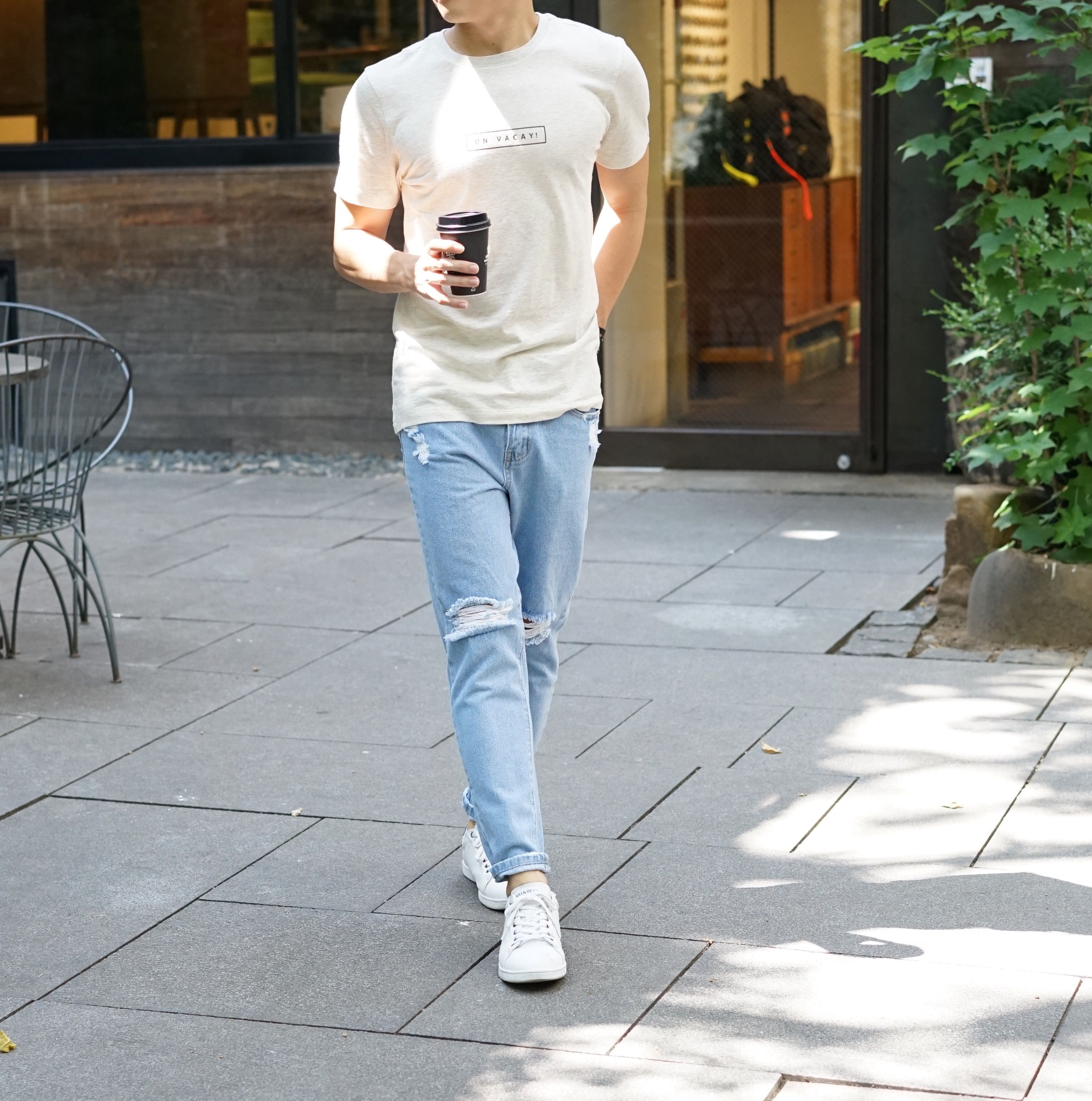 Ripped Jeans for Short Men: Where to buy it | Style & Fashion Tips for Short Men | Guys ripped ...