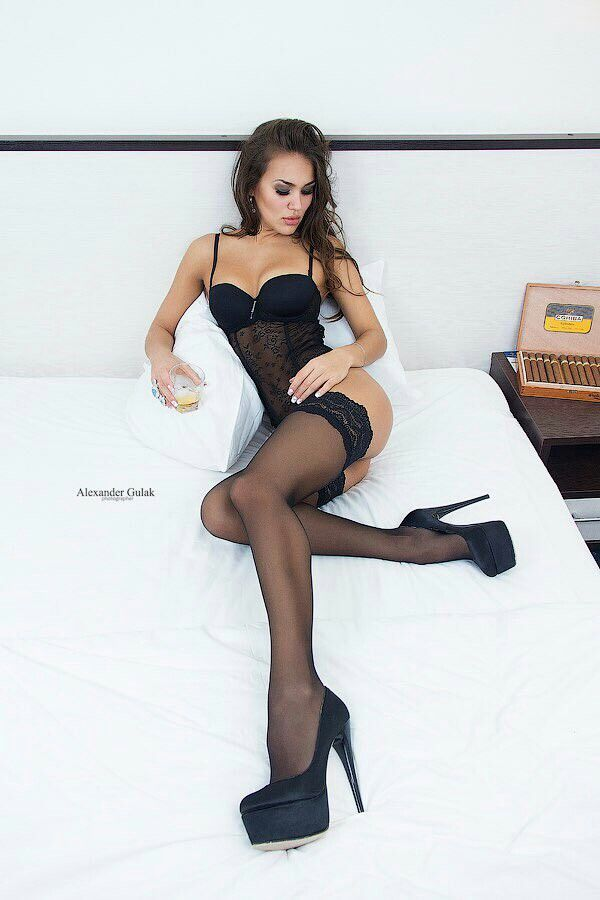 Stockings Heels Dildo Solo