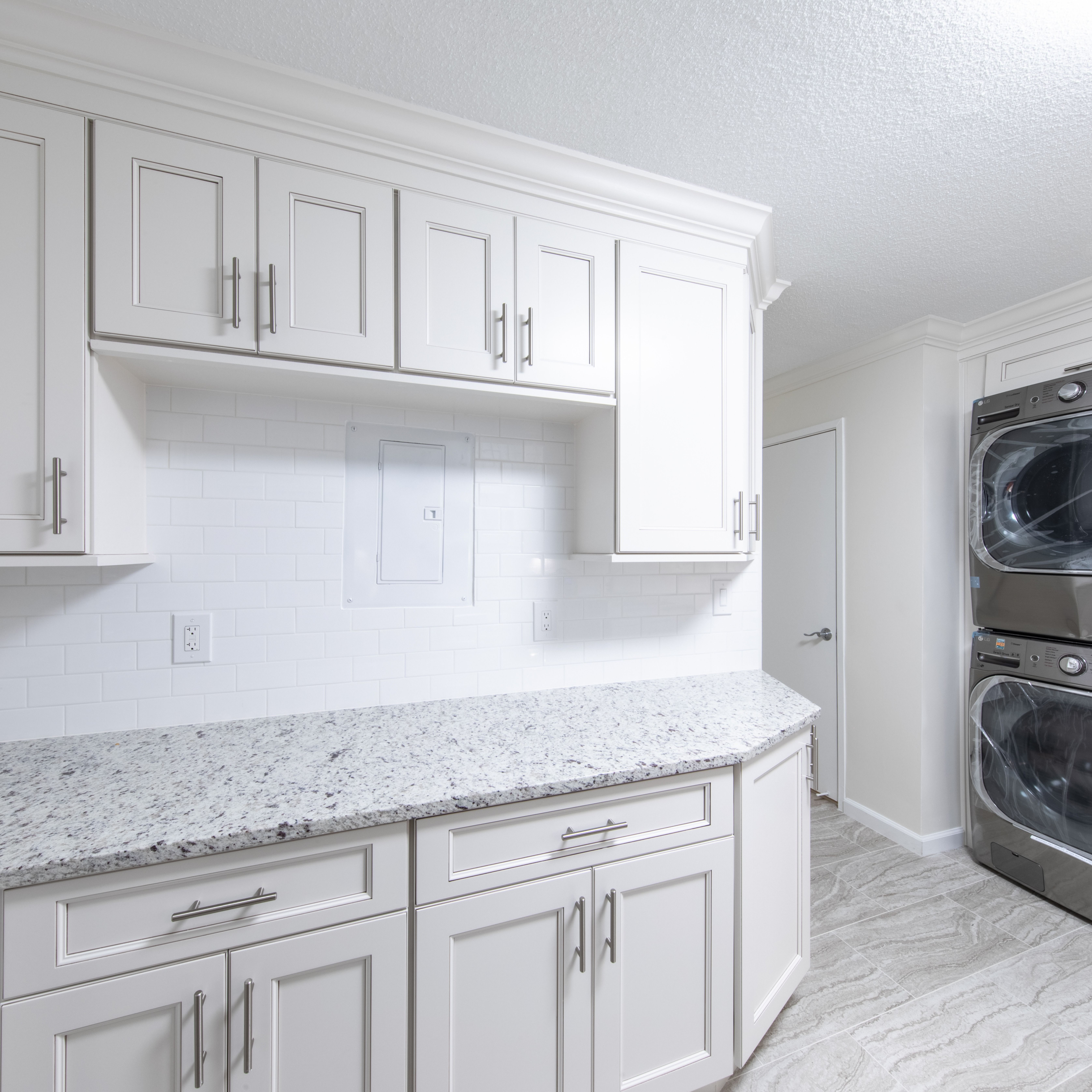 Kitchen And Bathroom Remodeling Contractors: Pin By Mayflower Construction Group On Bathroom Remodeling