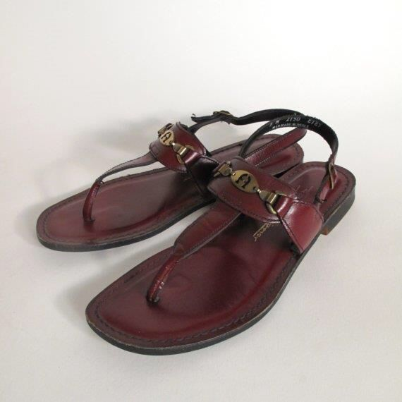 Etienne Aigner Leather T-Strap Sandals comfortable cheap price OsgJHjv