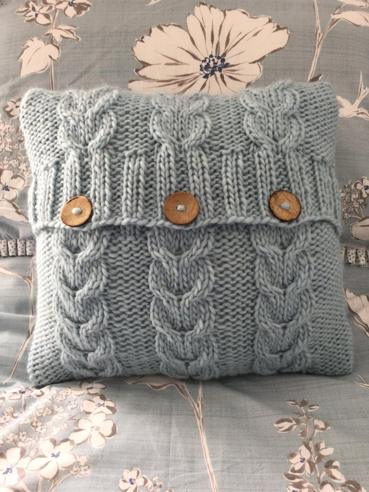 Photo of Heartstrings cushion cover Knitting pattern by The Lonely Sea – Heather C
