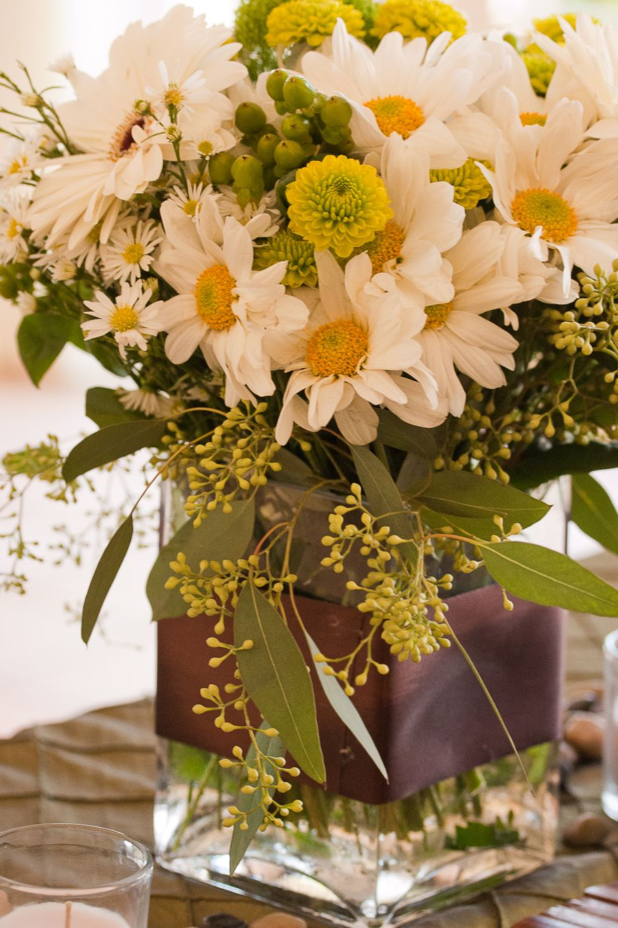 Daisy flower arrangement centerpieces daisy centerpiece flower daisy flower arrangement centerpieces daisy centerpiece izmirmasajfo