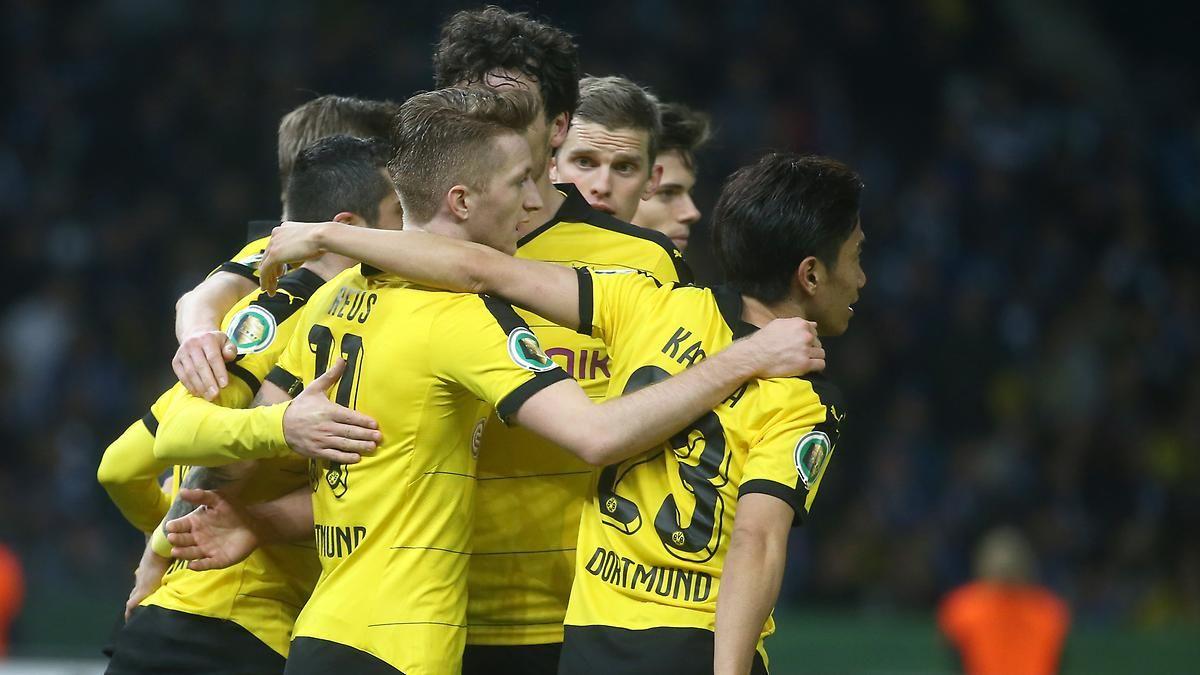 Dfb Finale Gegen Bayern Bvb Zerstort Herthas Pokal Traum Borussia Dortmund Dortmund Borussia