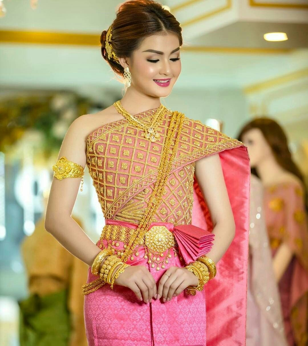 Cambodian Wedding Hairstyles: Pin By ឈិន បូរលាភ On Cambodia Traditional Dress In 2019