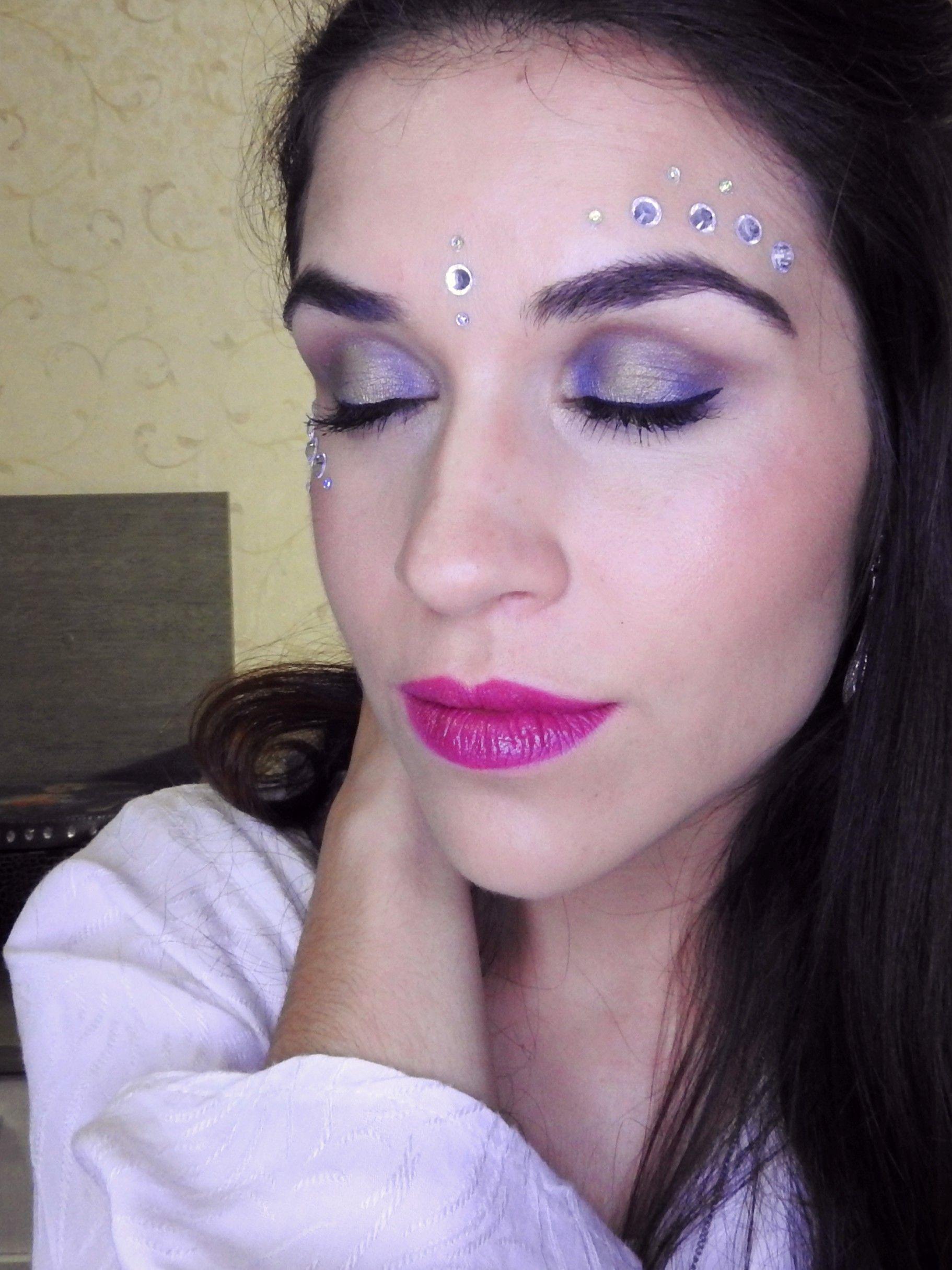 Maquiagem utilizando a técnica de pálpebra luz. #maquiagem #makeup #maquiagemartística #artisticmakeup #maquiagemfesta #makefesta #makecombrilho