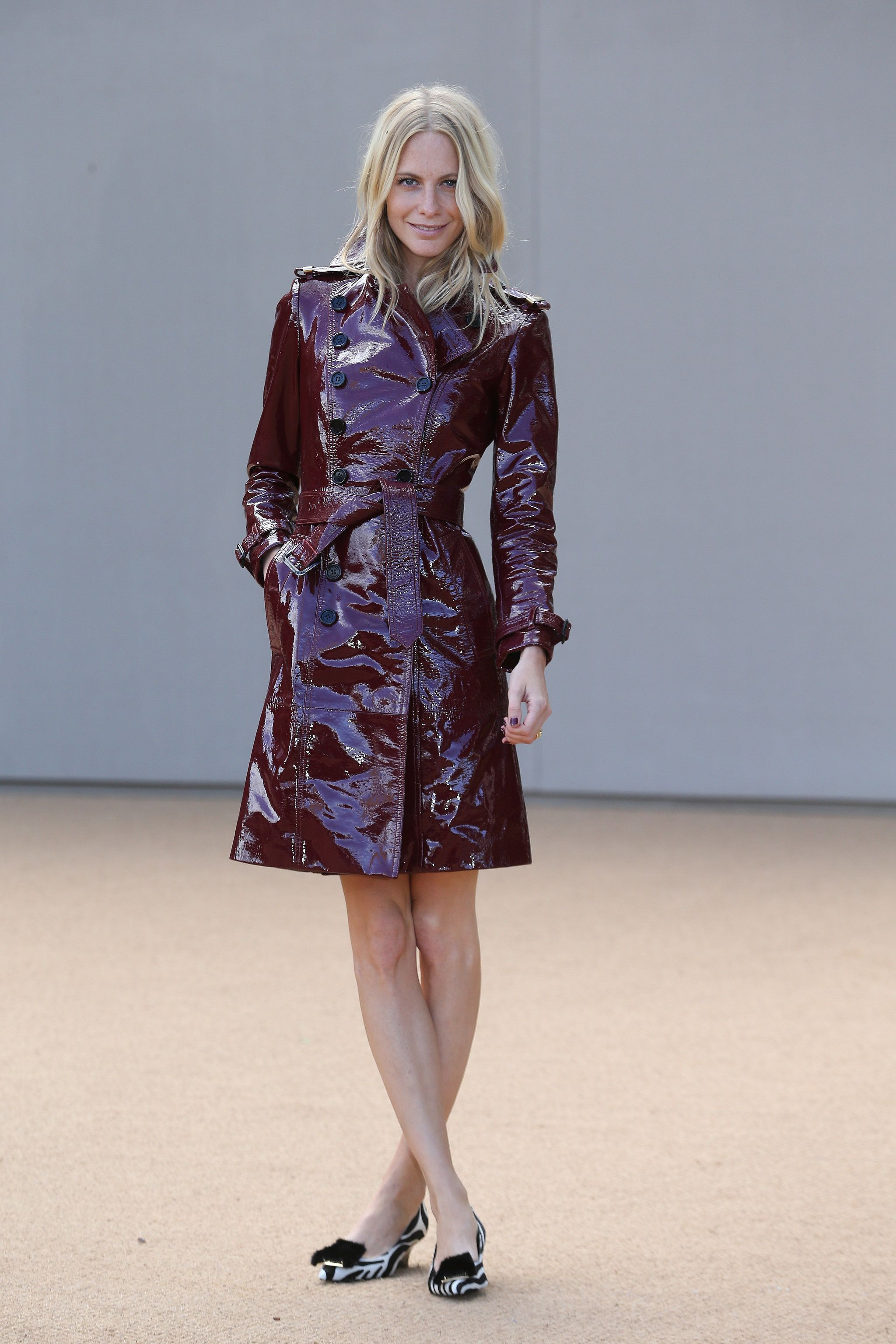Lack Kleidung Poppy Delevingne In Einem Trench Coat Fashion