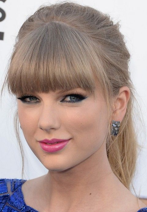 Taylor Swift Hairstyles Blonde Ponytail With Blunt Bangs