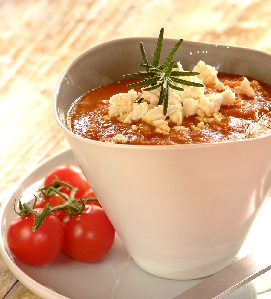 Rich Tomato, Chickpeas and Feta #Soup #KnorrStockPot