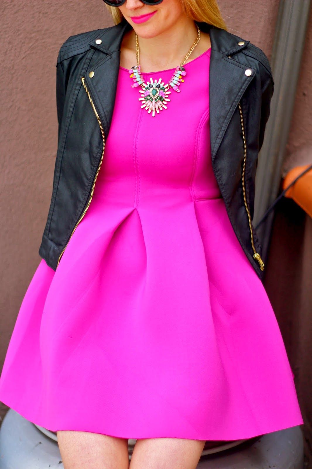 Que tal este vestido color magenta para esta temporada primavera ...