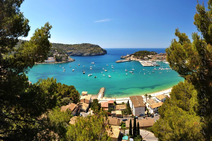 Port Soller Mallorca by Andre Mallon, via 500px