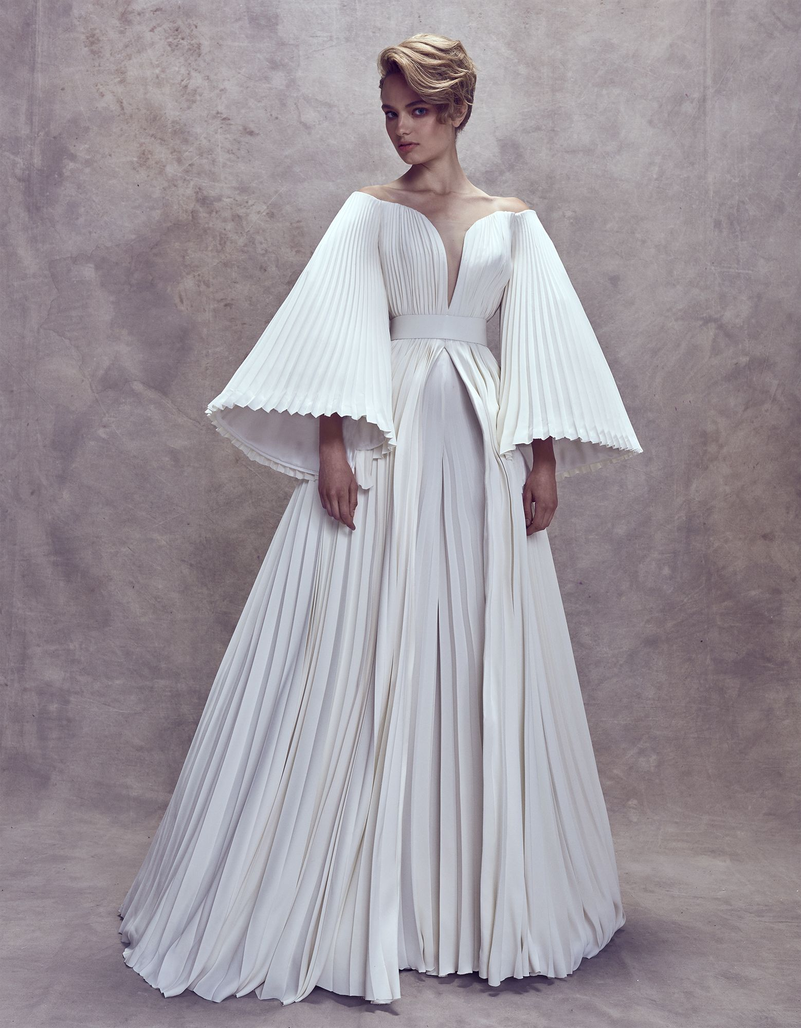 203ad29dd0 Ashi Studio Fall Winter 2017-2018 Couture Collection