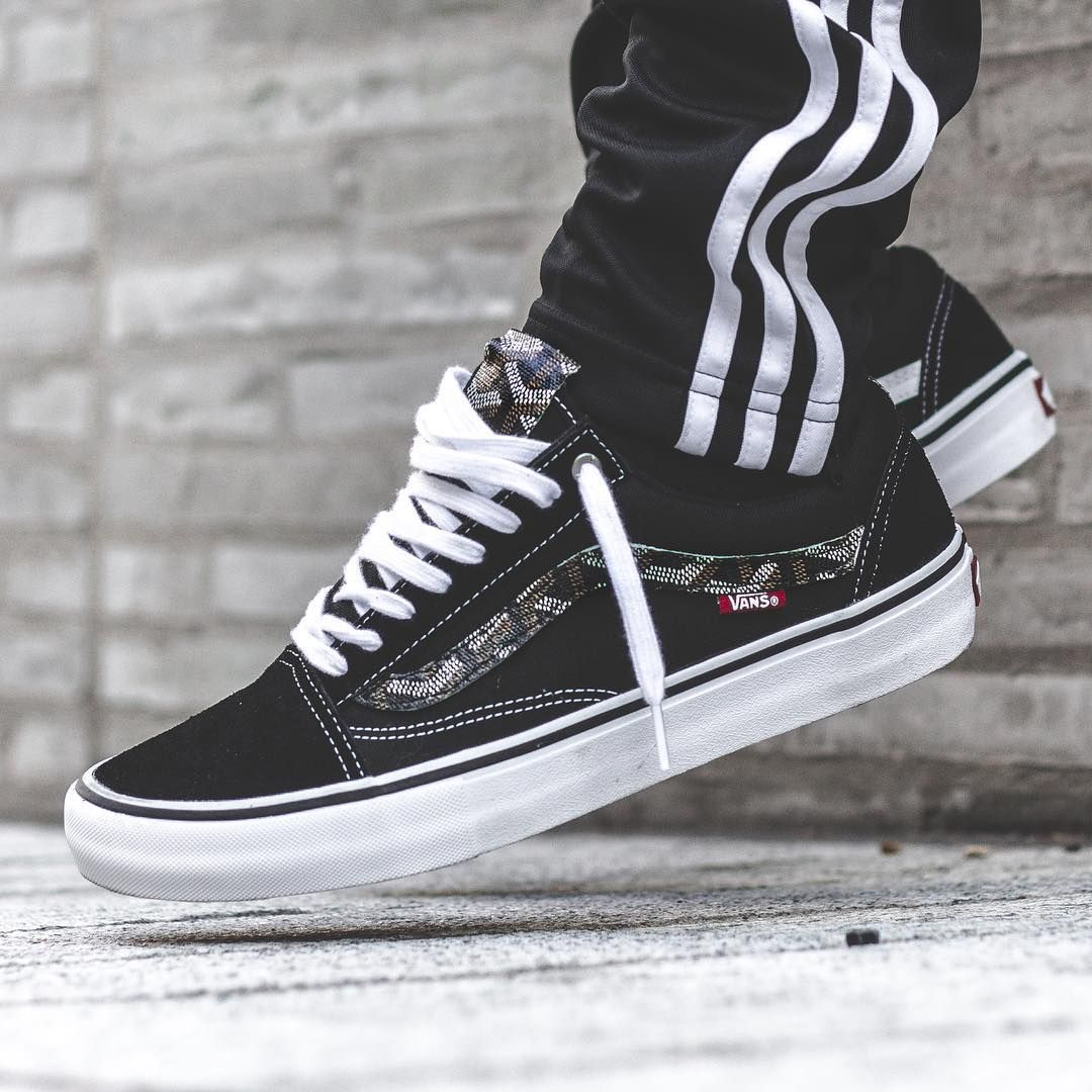 vans old skool black custom