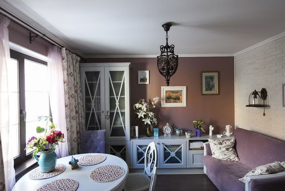 1 Eclectic Apartment With Accent On Shabby Chic