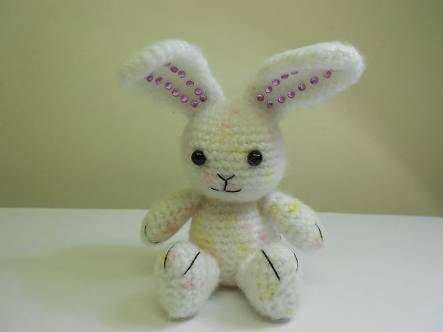 free crochet bunny pattern by Adorable Amigurumi