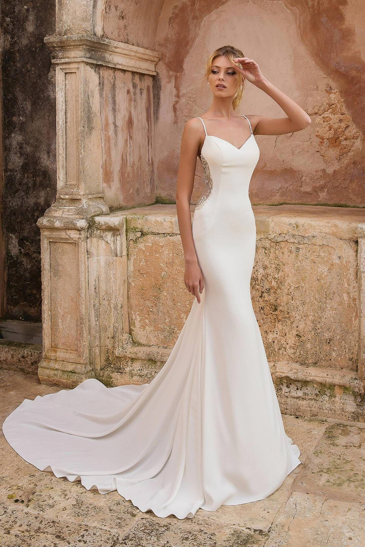 50 Classic Wedding Dresses That Are Timeless Brides Magazine Outdoorweddings Wedding Dress Trends Wedding Dresses Classic Wedding Dress